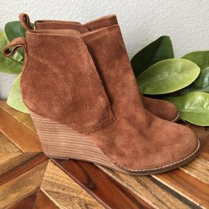 Lucky Brand Yoniana Wedge Suede Ankle Booties